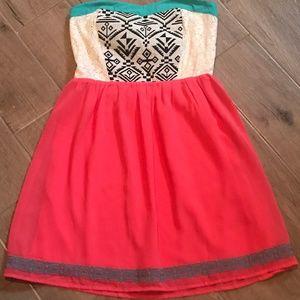 Dresses & Skirts - Strapless boutique dress